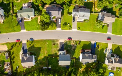 Buying a house with an old roof: how to make the smartest decision